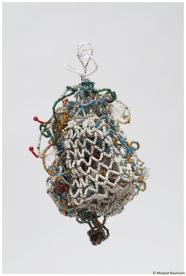 Virus; Silberdraht, Seedbeads, Perlen venezianisch, 1999
